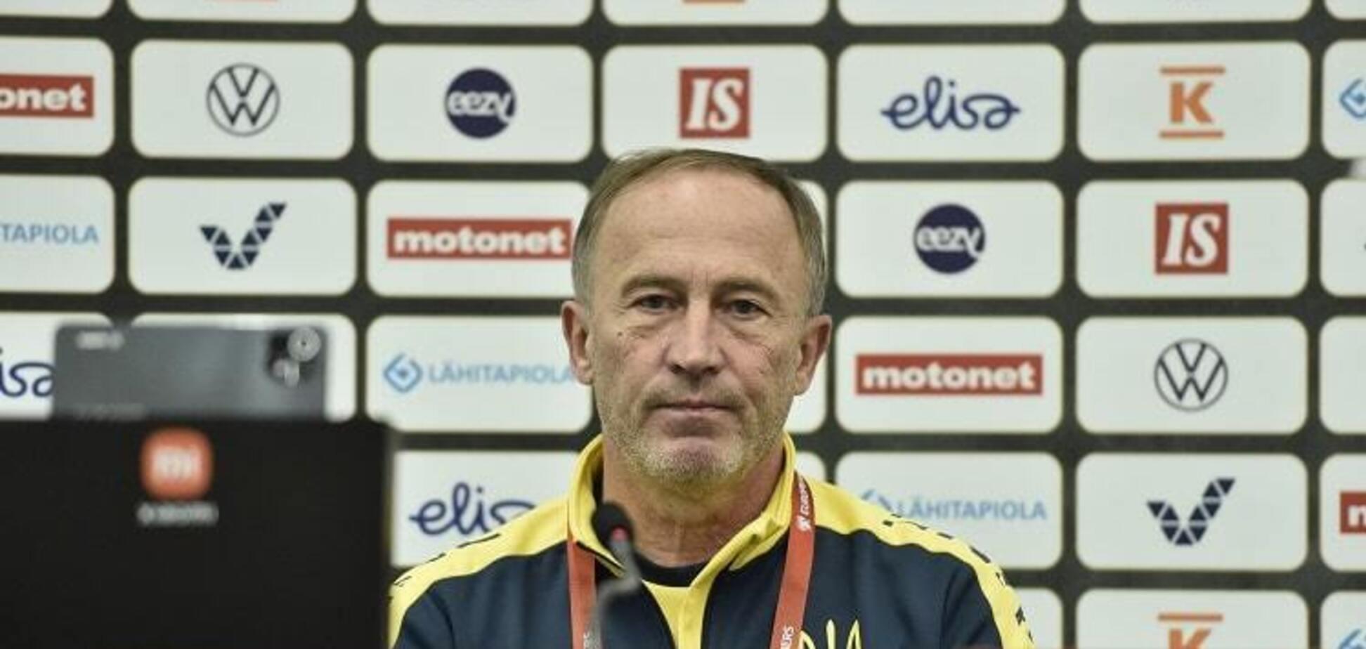 Петраков відзначився дивною поведінкою на пресконференції перед матчем із Фінляндією. Відео