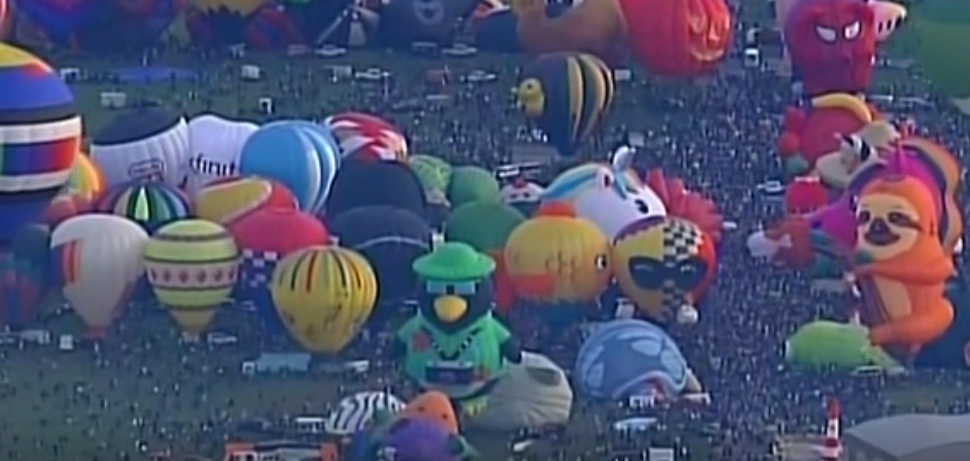 В форме пингвинов и уток: в США устроили масштабный фестиваль шаров