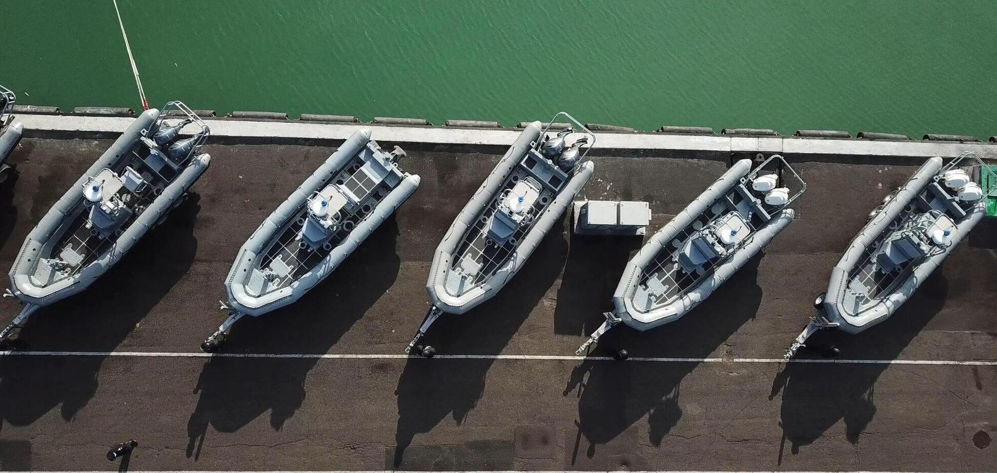 США передали лодки и другую технику ВМС