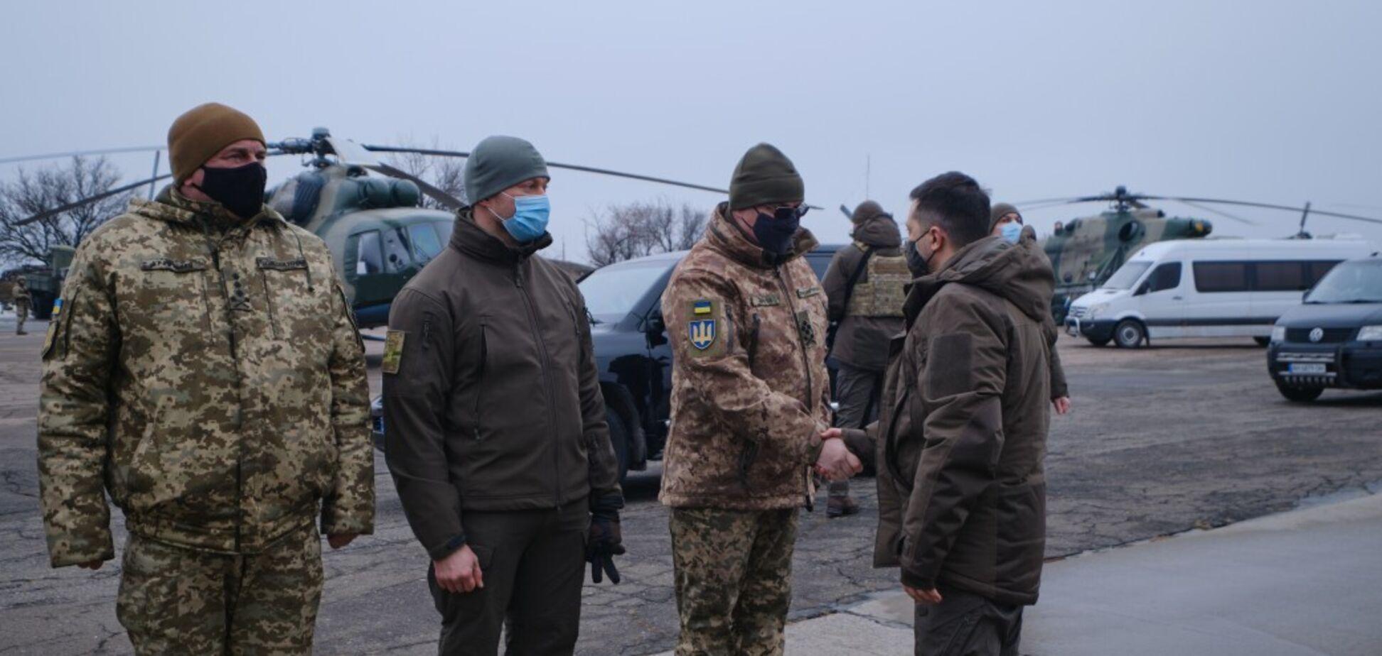 У президента з дипломатами триває робоча поїздка до Донецької області