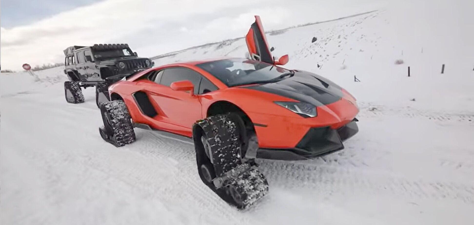 Lamborghini поставили на гусеницы и сняли на видео