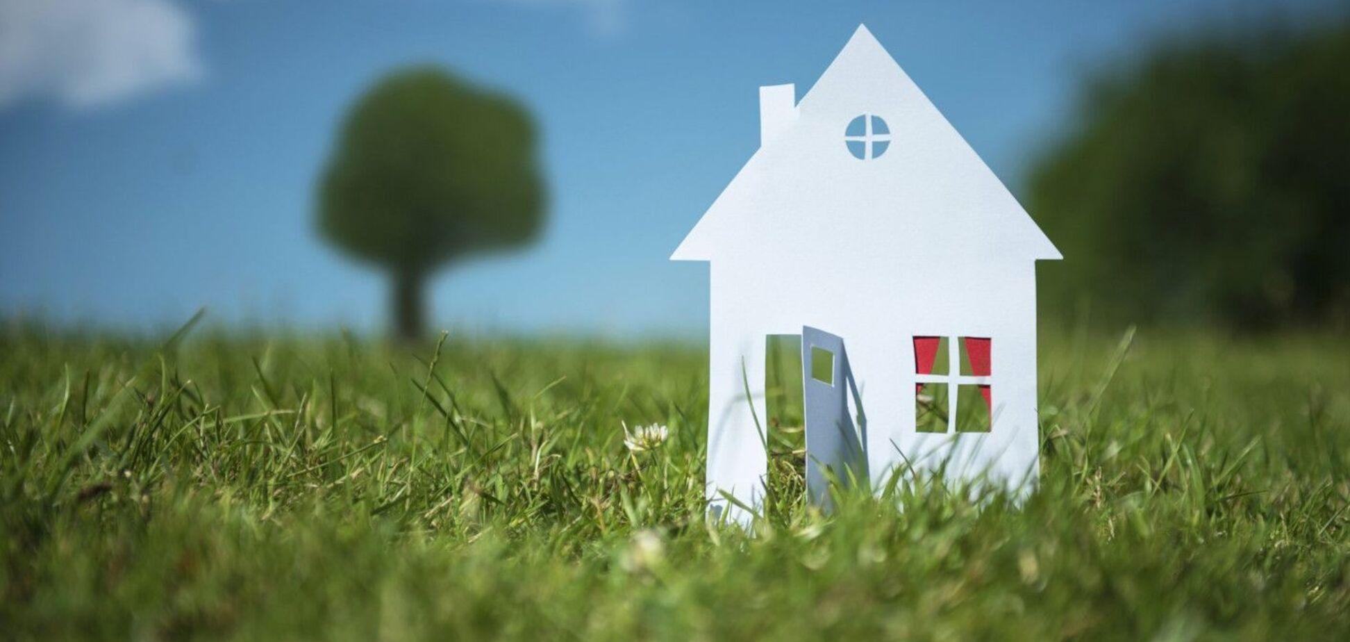 Покупаешь дом, и земля тебе причитается 'автоматом'