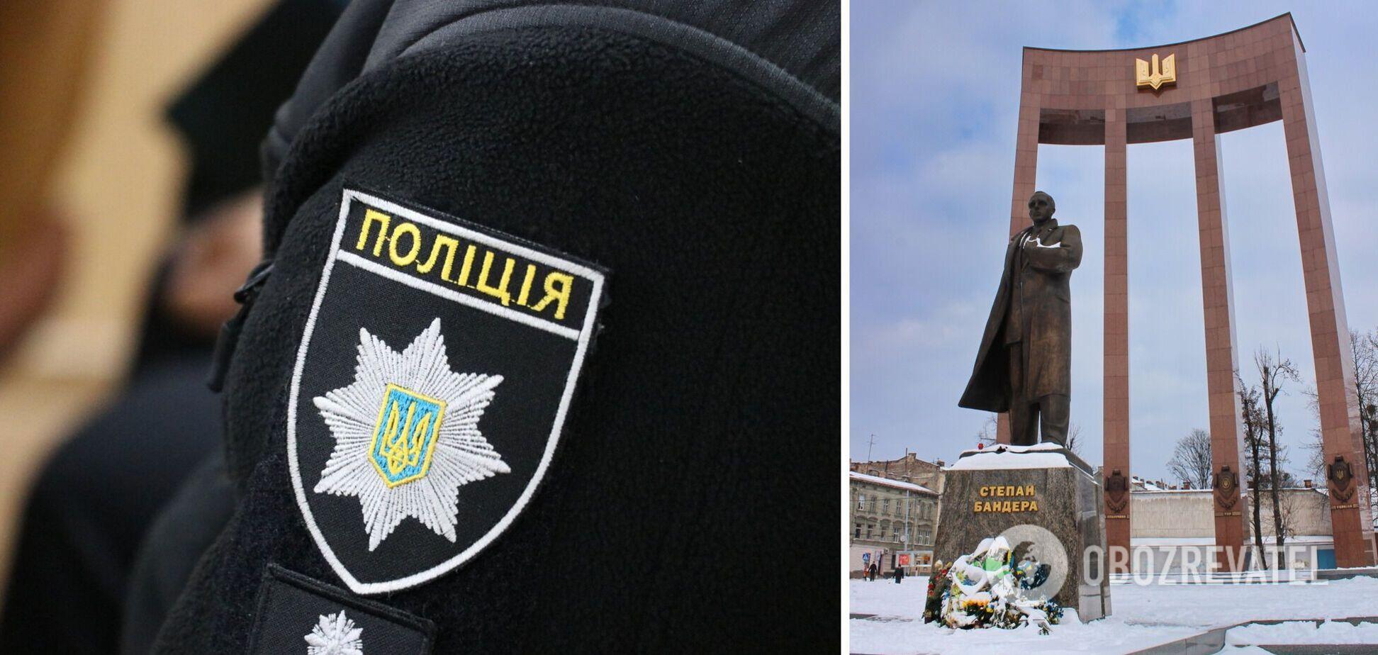 Знайшли вандалів, які облили пам'ятник Бандері 'кров'ю'