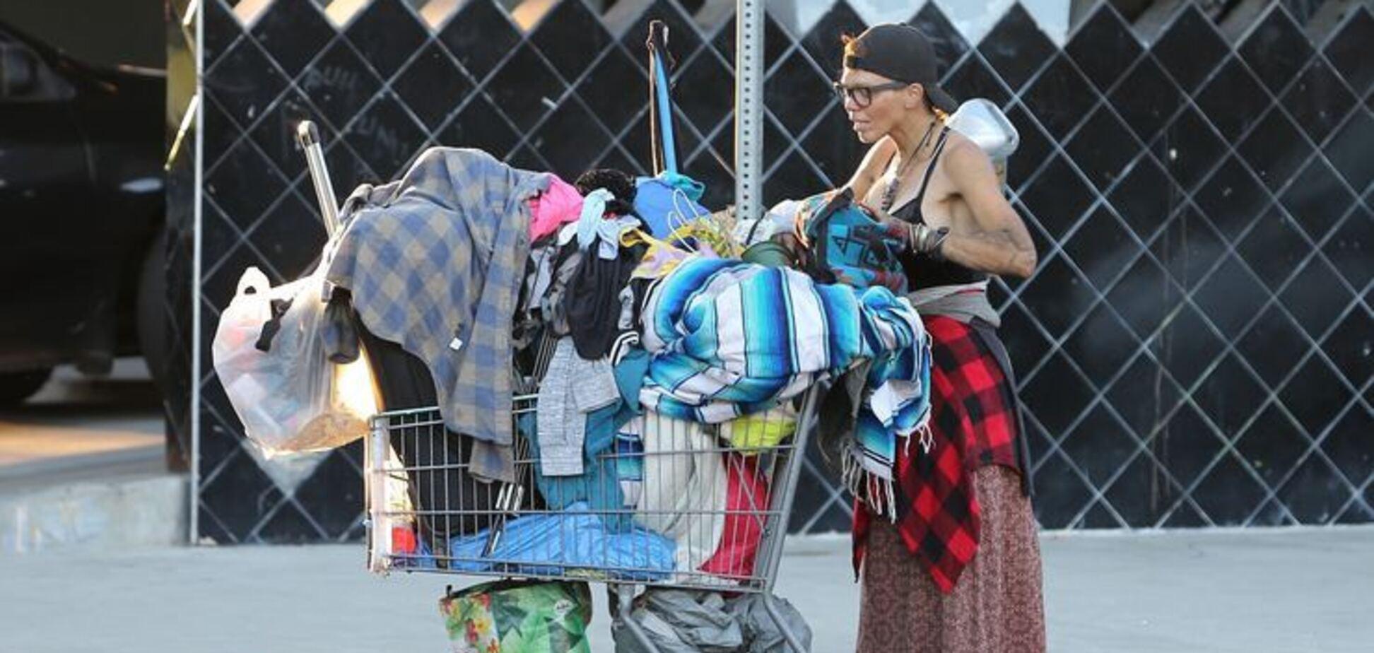Лоні Вілсон – колишня модель, яка живе на смітнику
