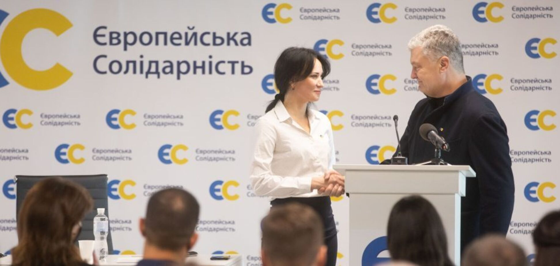 Порошенко призвал поддержать Марусю Зверобой: она бесстрашная и несокрушимая