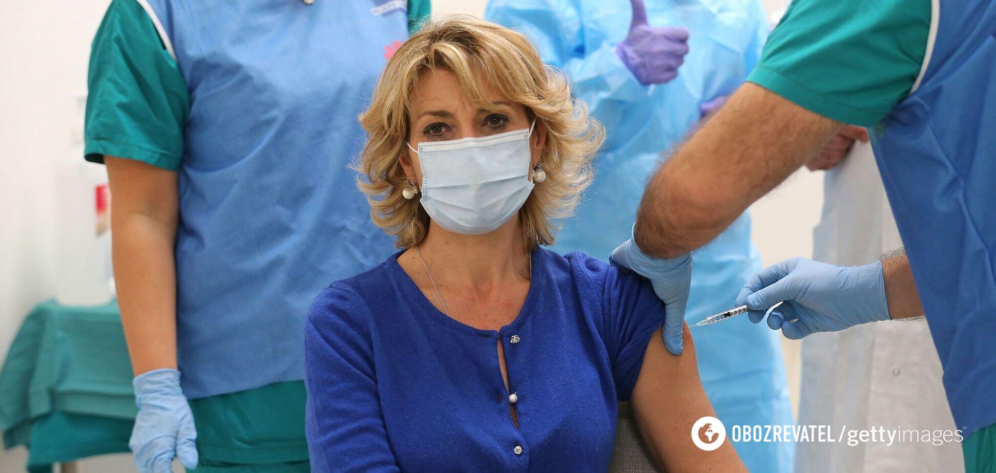 Лікар сказав, кому критично важливо зробити щеплення від COVID-19