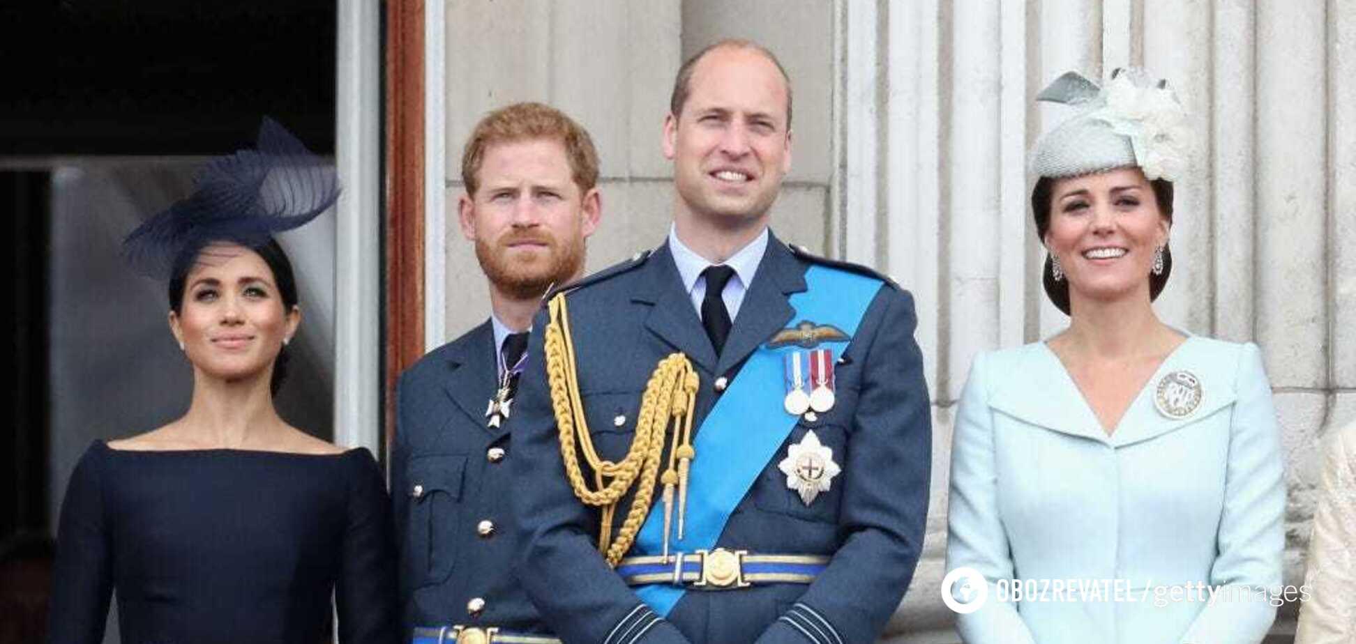 Принц Гарри и принц Уильям с супругами