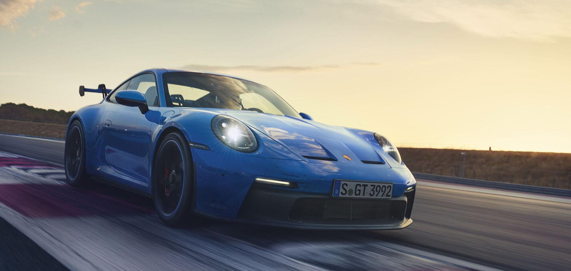 Porsche провел мировую премьеру нового поколения 911 GT3