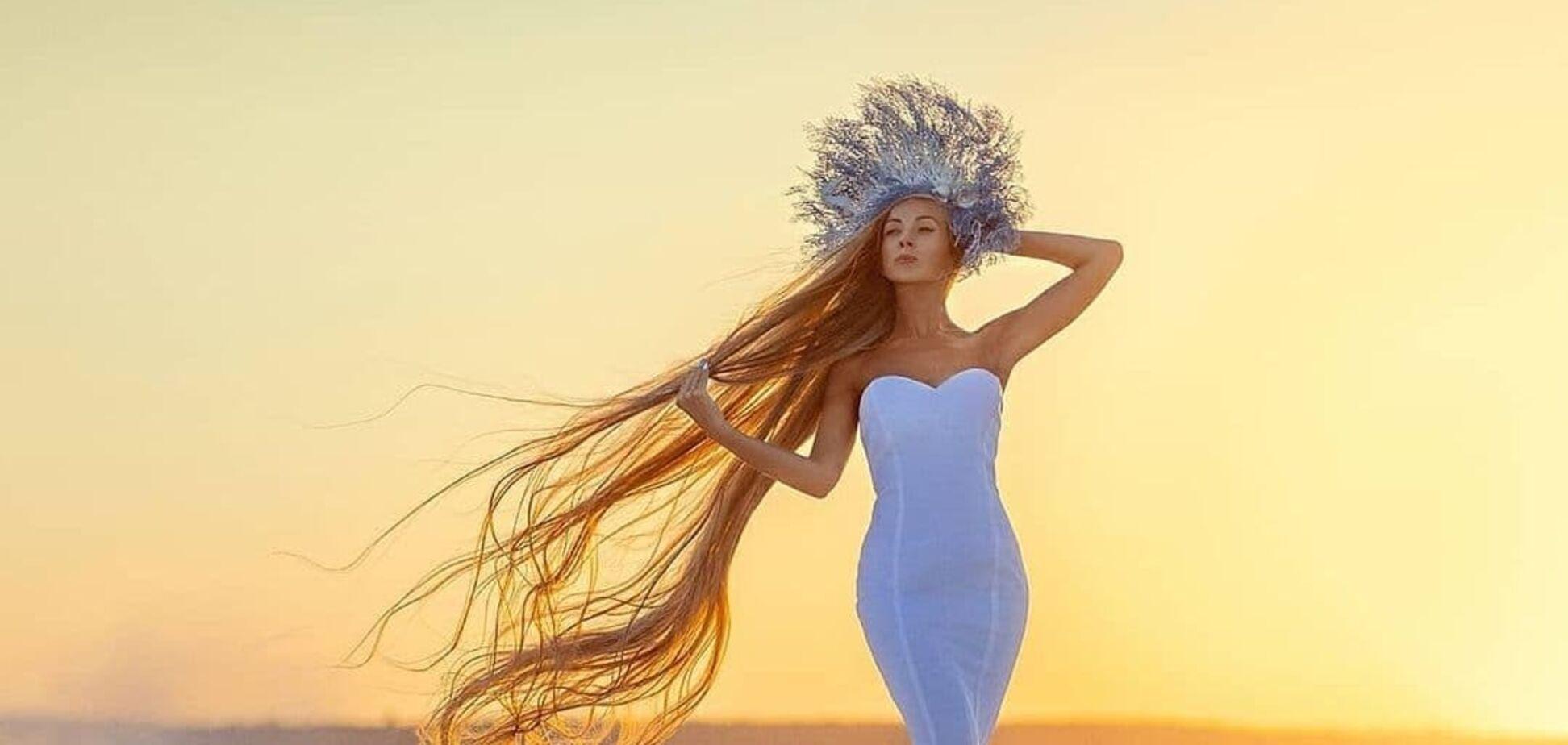 Українка показала двометрове волосся
