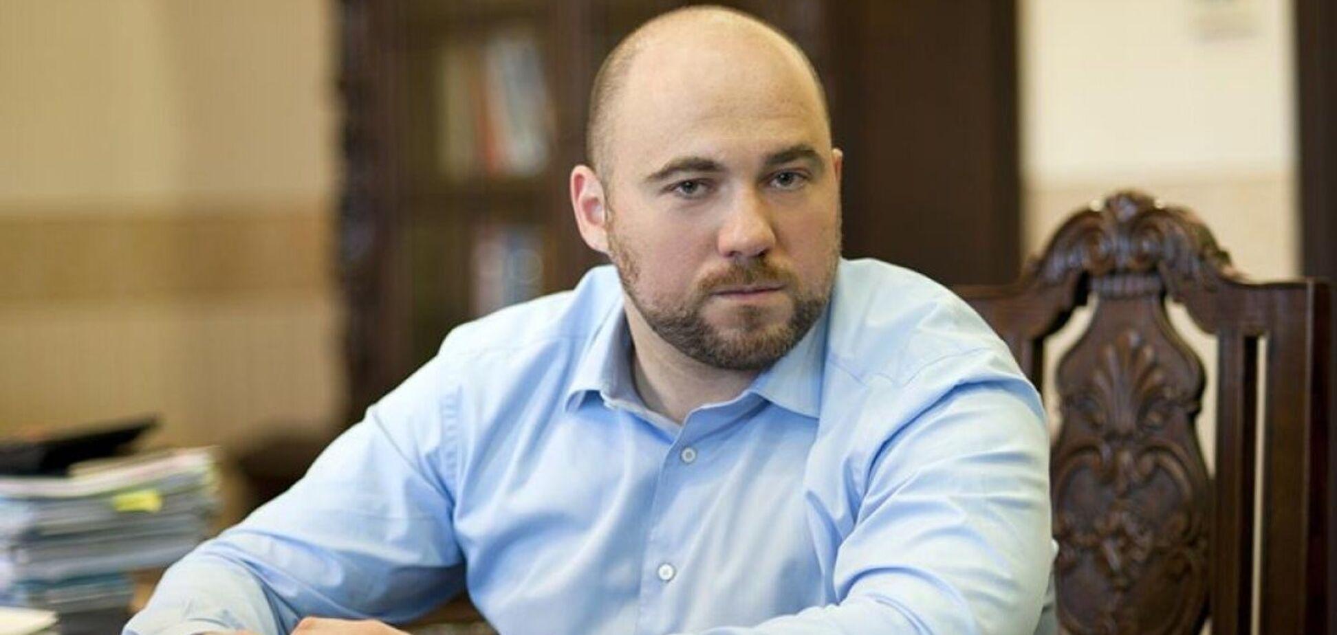 Фонд Вадима Столара передав Олександрівській лікарні 100 функціональних та реанімаційних ліжок