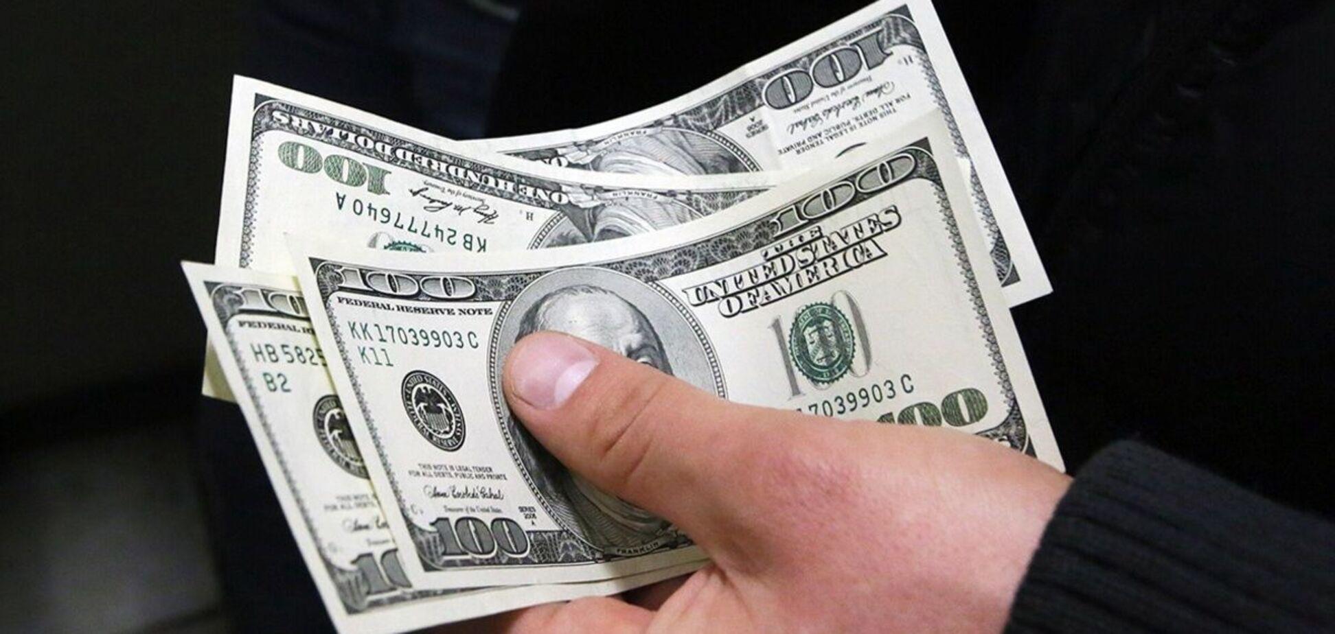 Адвокат спростував причетність Іванющенка до конфіскованих у Латвії грошей