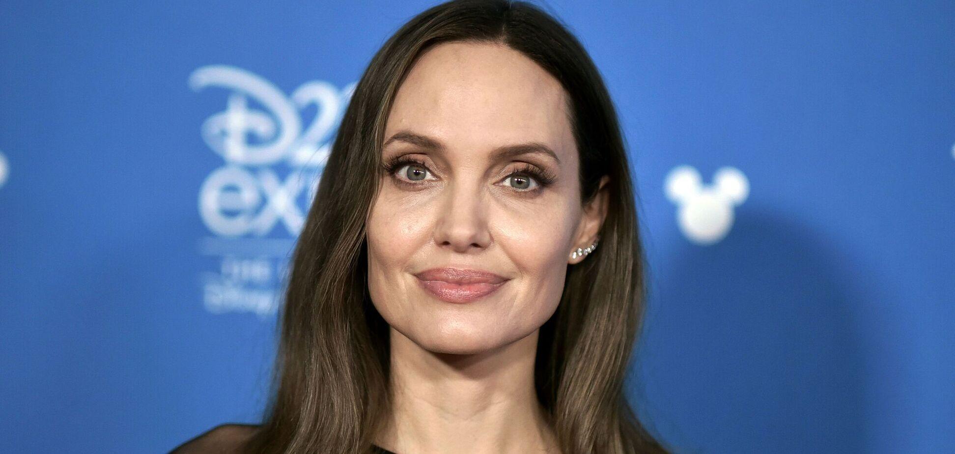 Анджеліна Джолі буде на обкладинці березневого номера Vogue