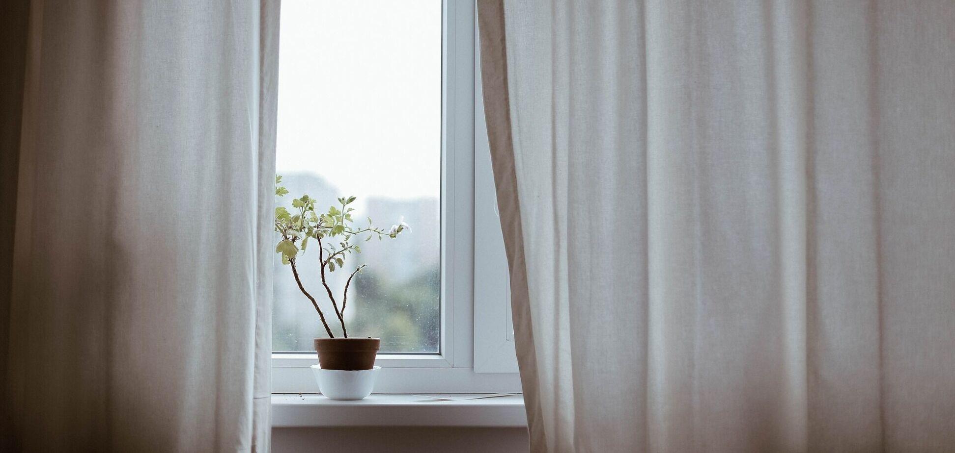 Вікно в будинку
