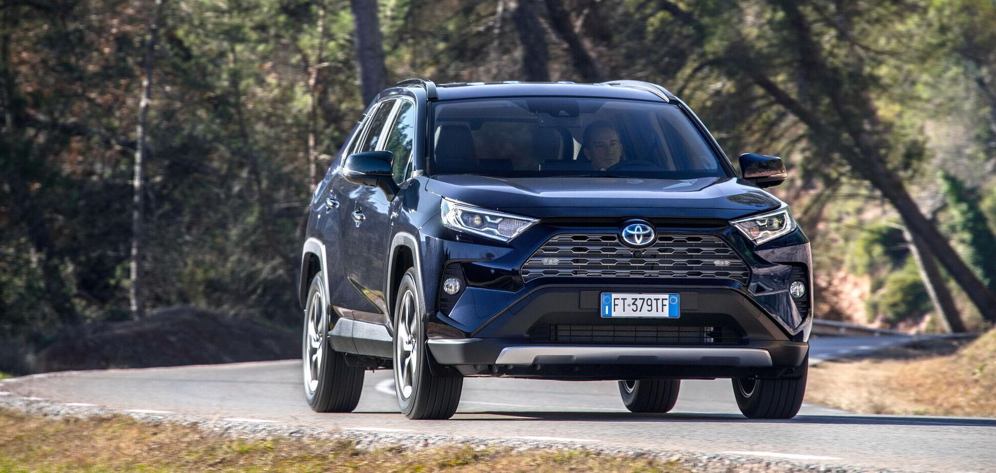 Продажі нових авто в Україні впали на 19%