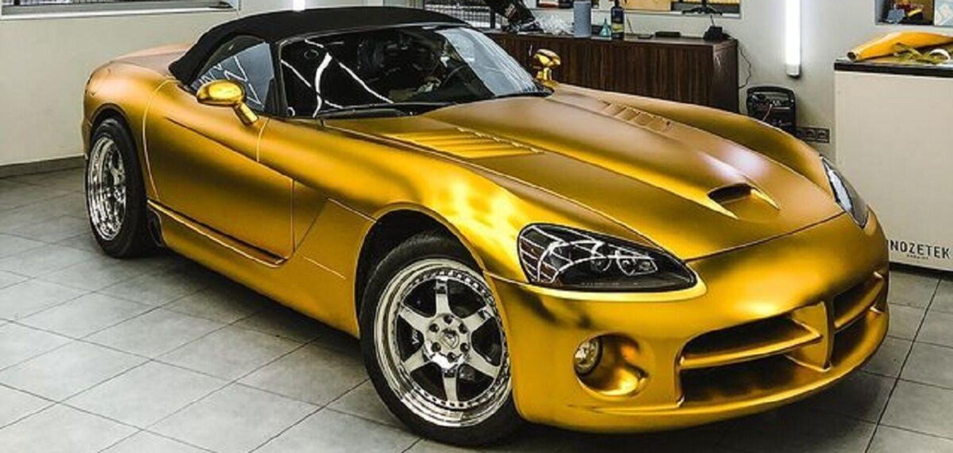 У Києві виявили 'золотий' суперкар із потужним мотором