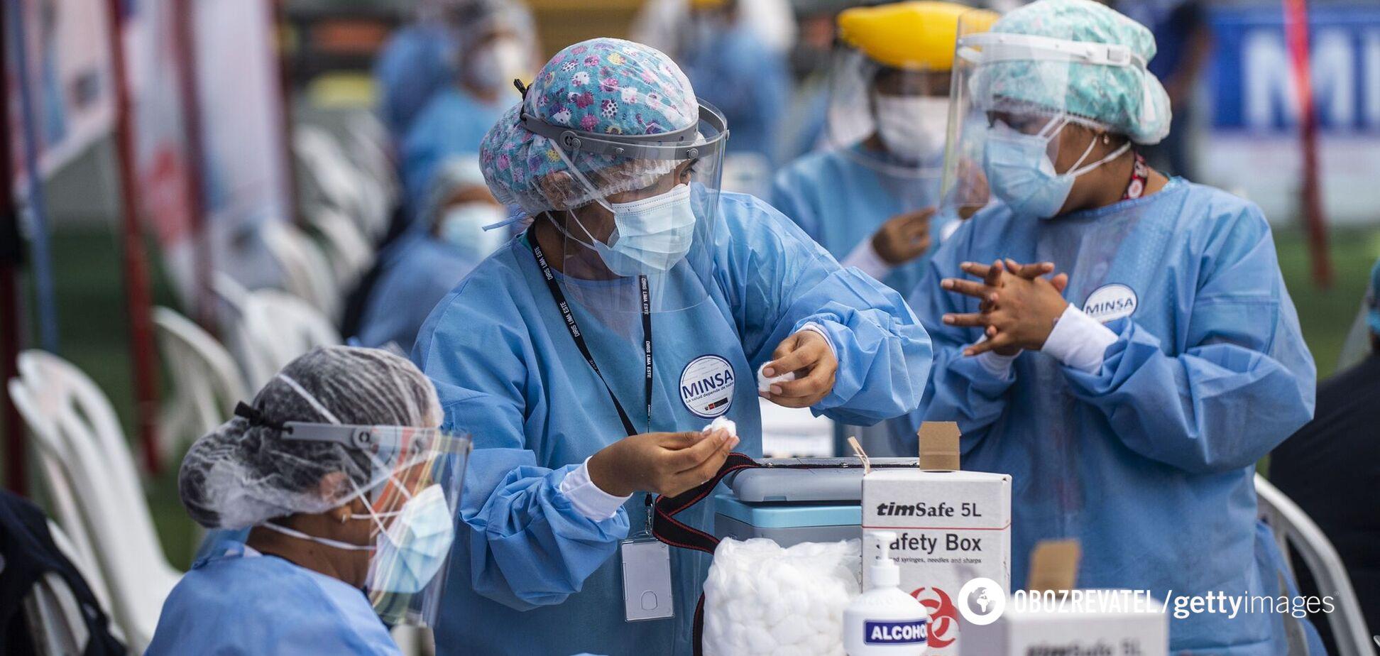 Хроніка коронавірусу в Україні та світі на 20 лютого: за добу померло майже 11 тисяч пацієнтів