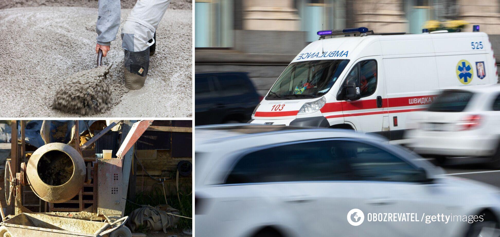 У Києві хлопцю відірвало ногу міксером для бетону. Фото 18+