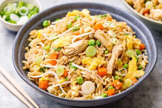 Полегшений рецепт азіатського смаженого рису.
