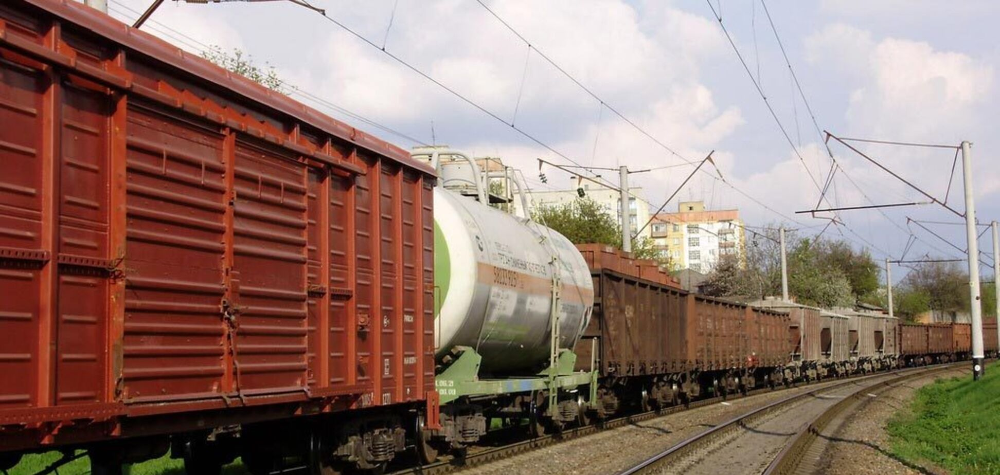 Каждый 5-й произведенный в Украине грузовой вагон – на осях из России – СМИ