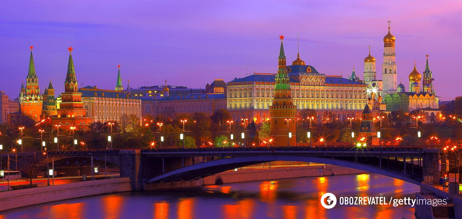 Что-то не так пошло со вставанием России с колен