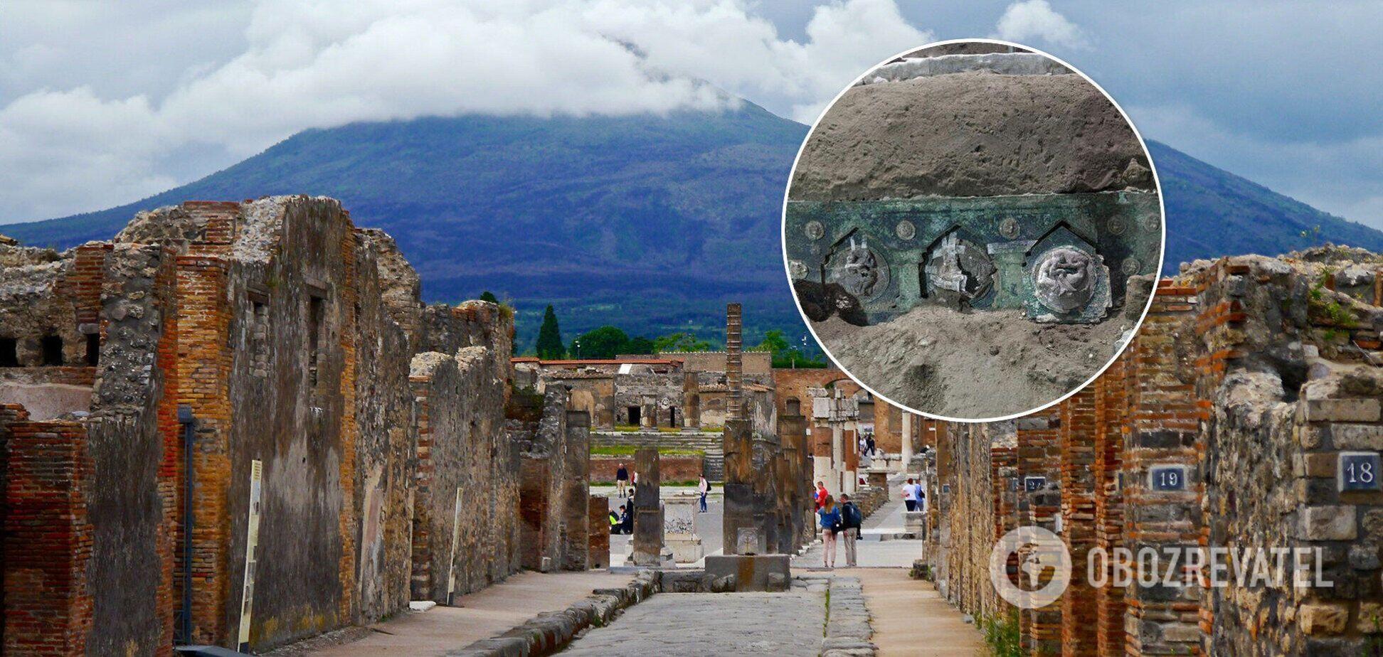 У Помпеї знайшли стародавню колісницю з еротичним декором. Фото
