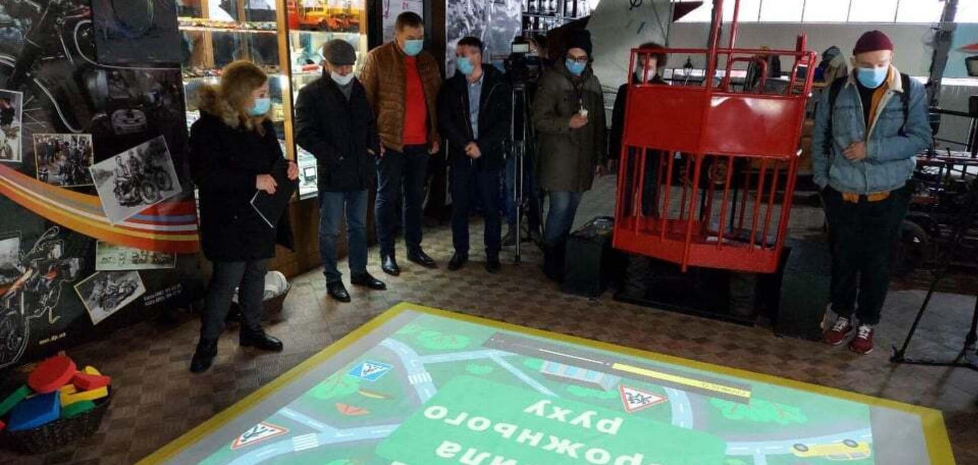 У Дніпровському музеї 'Машини часу' зробили інтерактивну підлогу