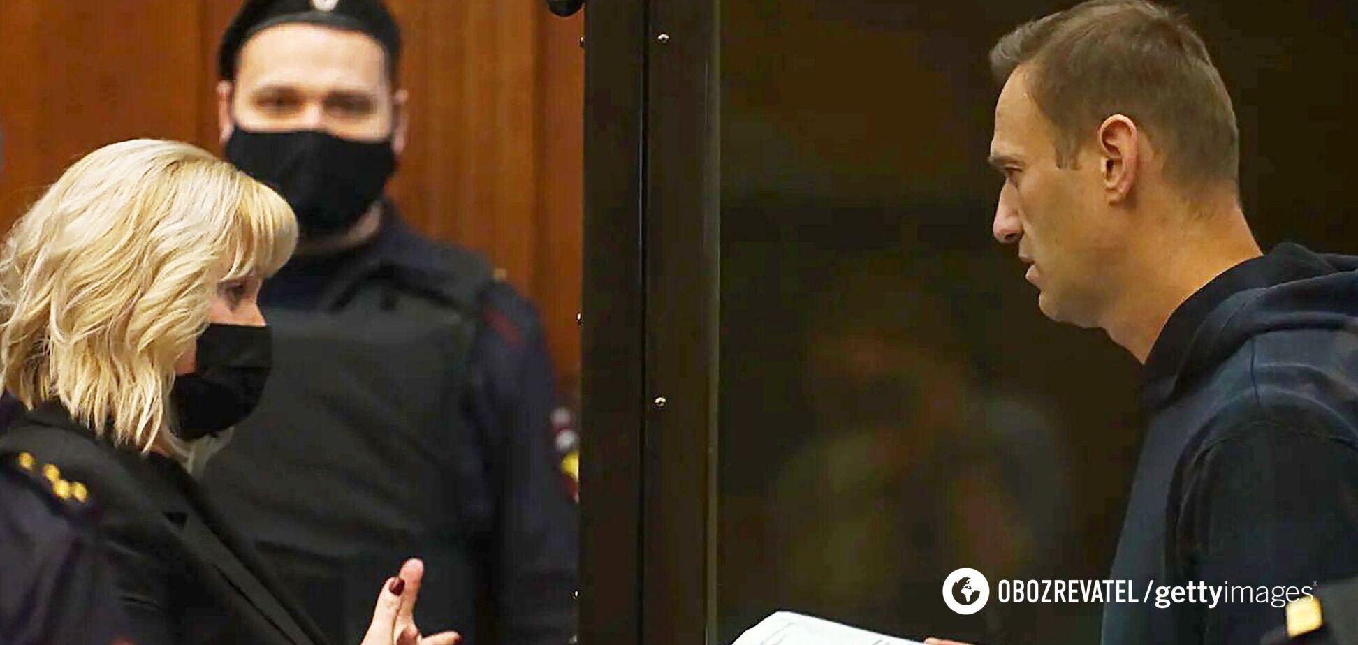 Путіна розлюбили росіяни, або Чому посадили Навального