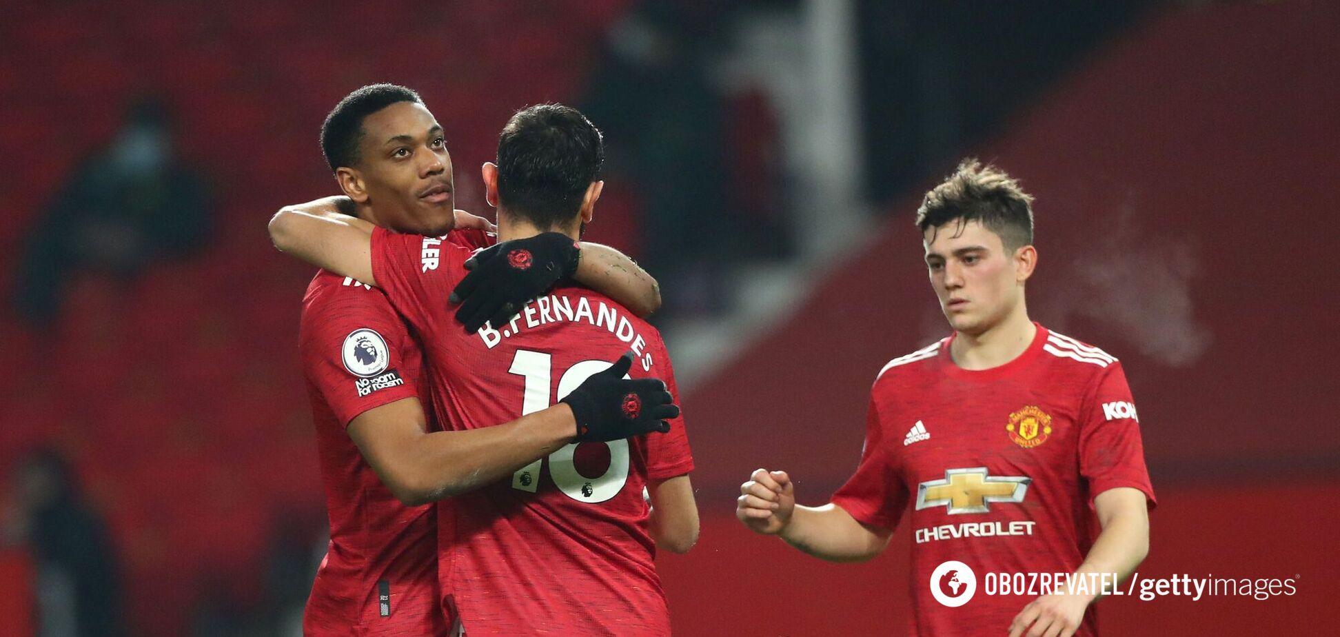 Игроки 'Манчестер Юнайтед' празднуют гол