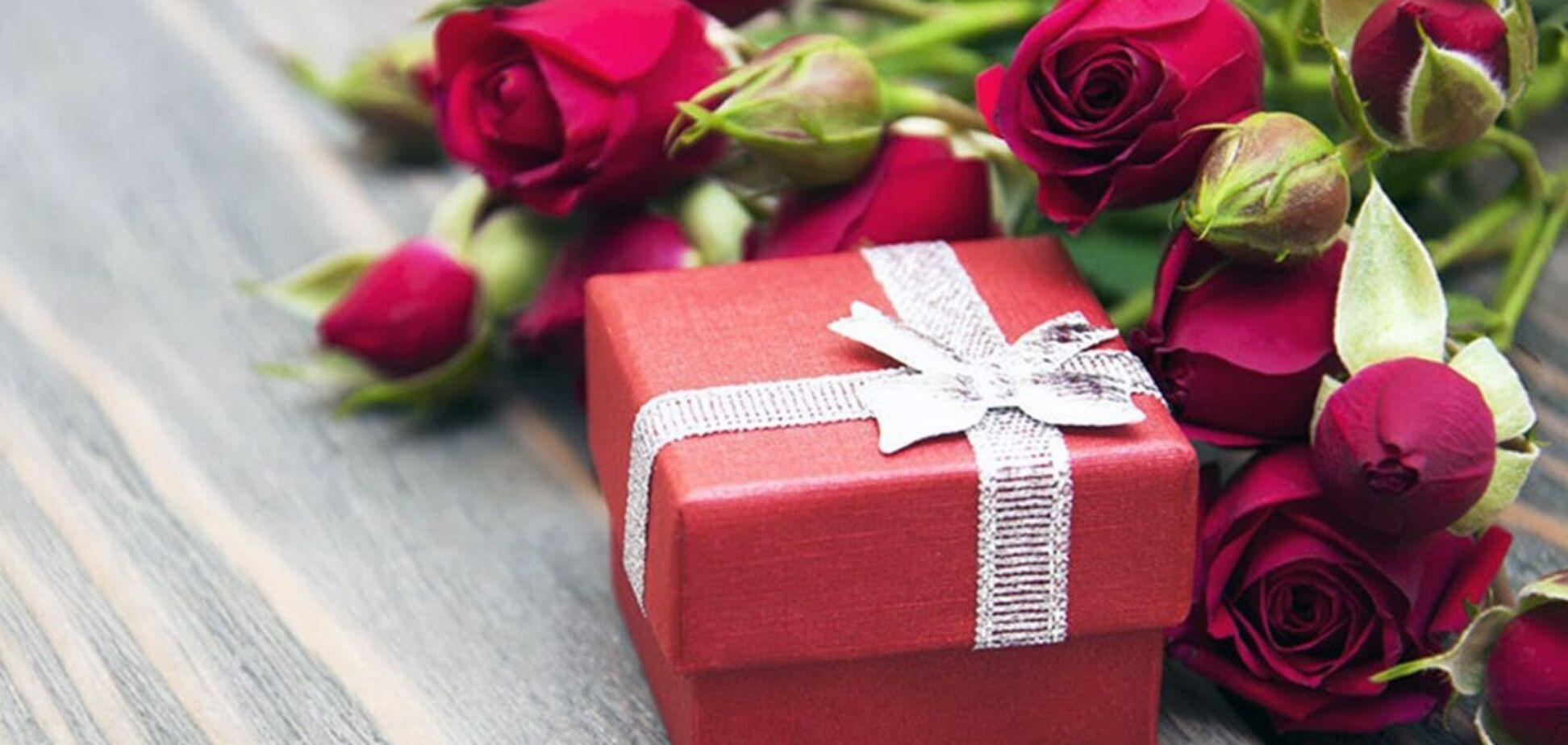 OBOZREVATEL собрал лучшие акционные предложения для подарков на День влюбленных