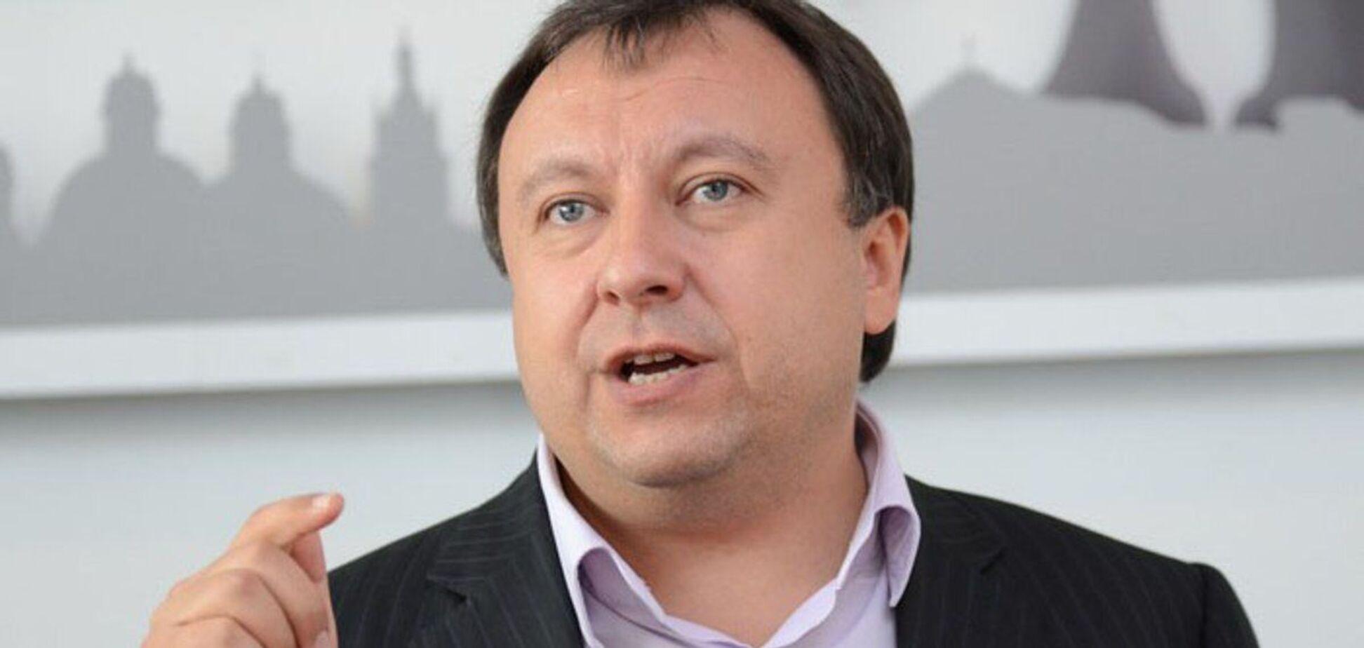 Княжицький повідомив, що 'ЄС' вимагає притягти до відповідальності власників телеканалів, що потрапили під санкції