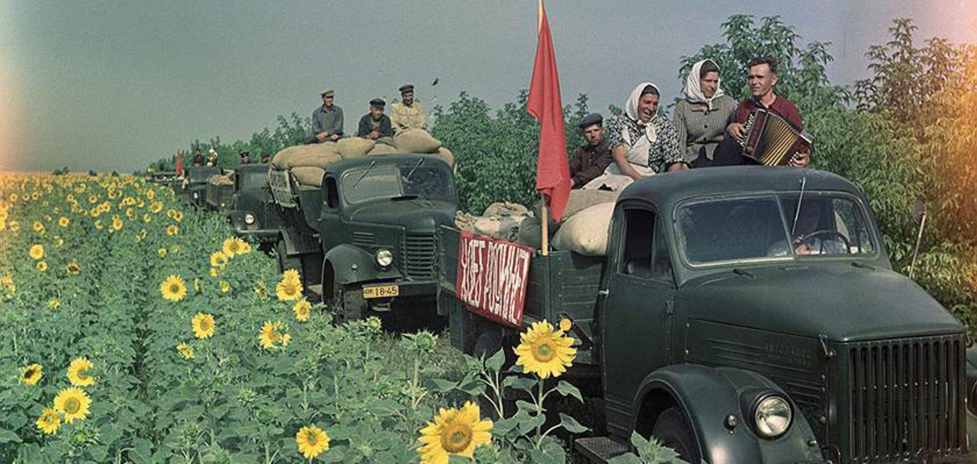 Постановочные фото 'счастливой советской жизни'