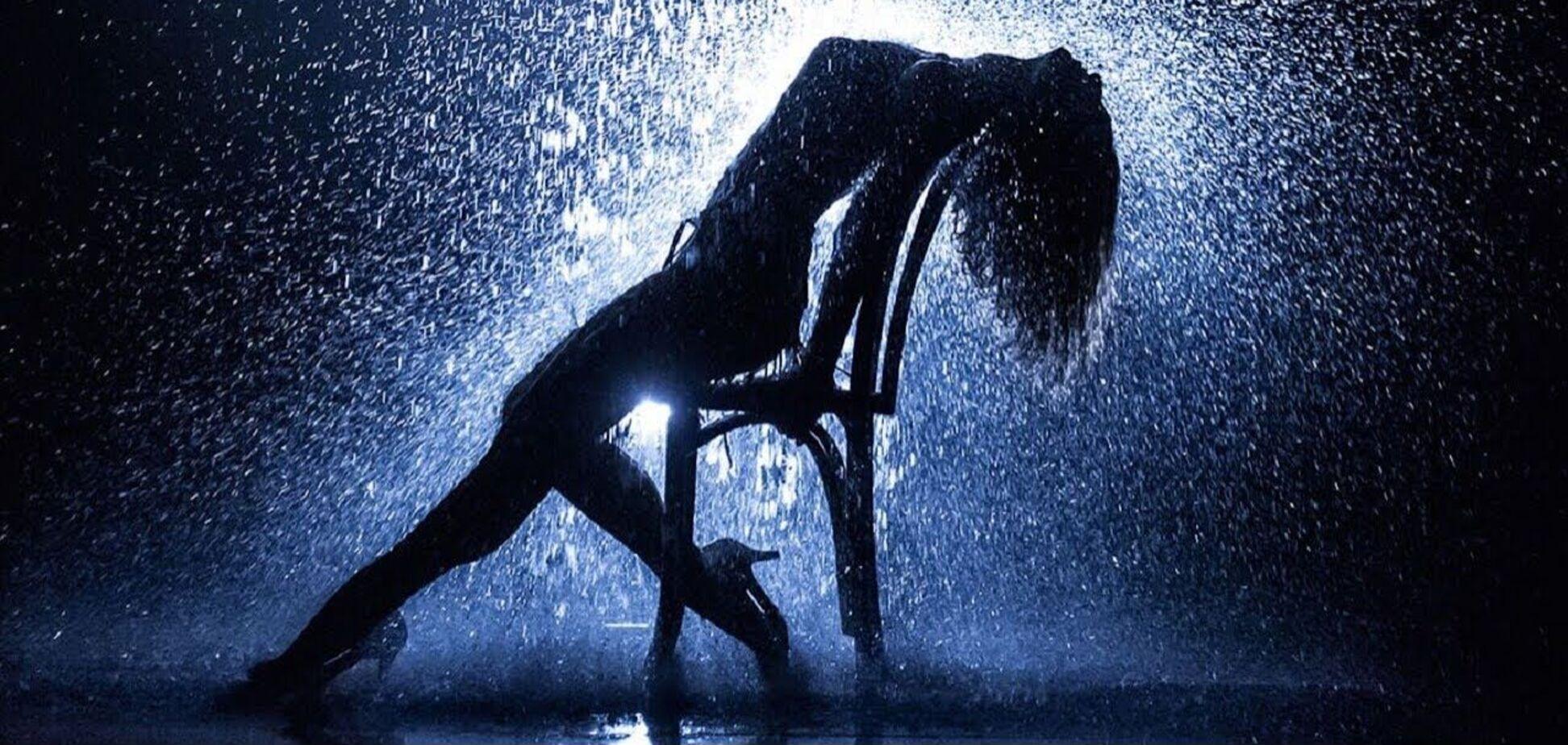 День рождения стриптиза: топ-5 соблазнительных танцев