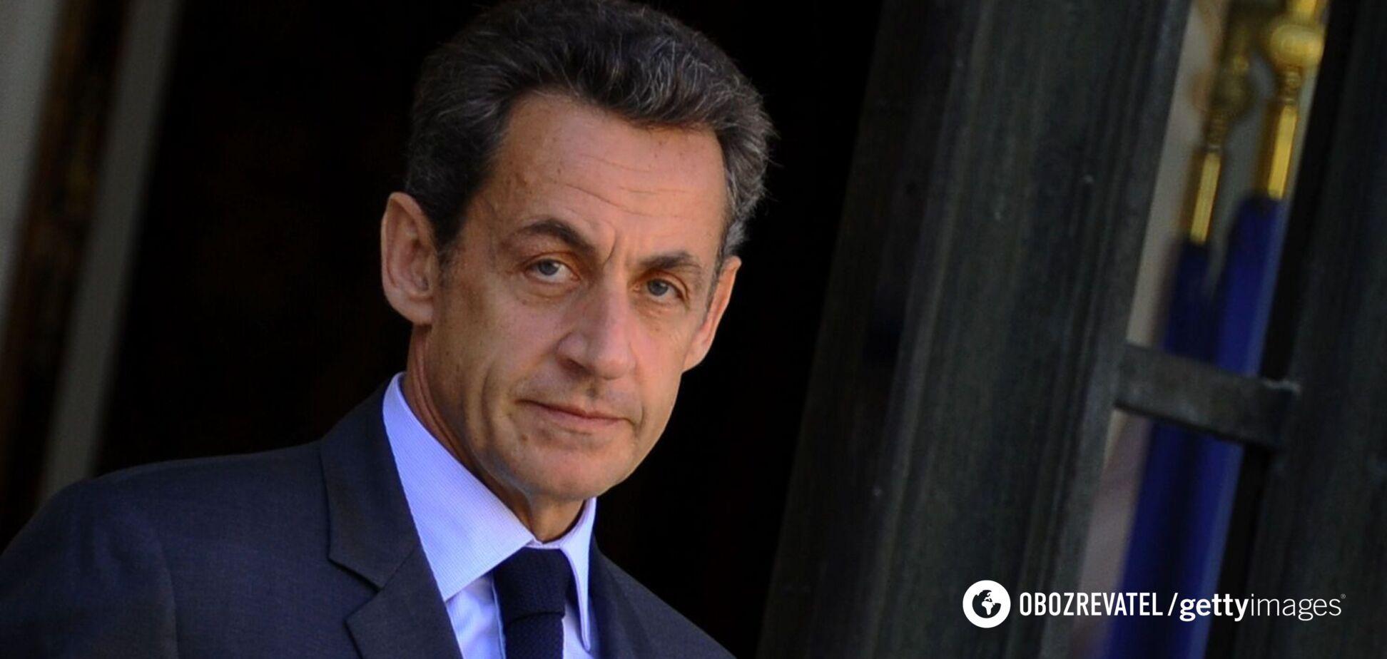 Саркози дали три года тюрьмы