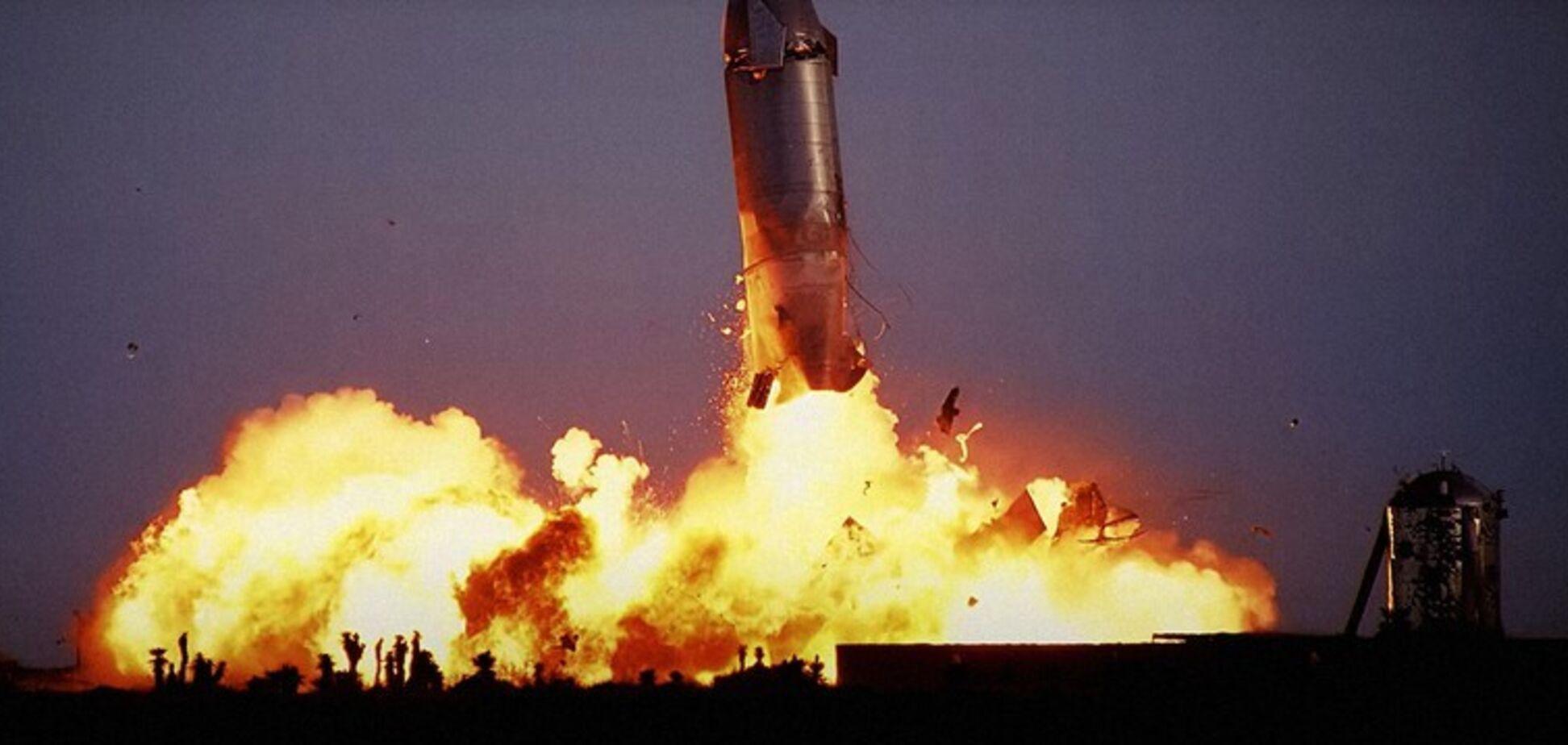 Взрыв космического корабля Starship 10