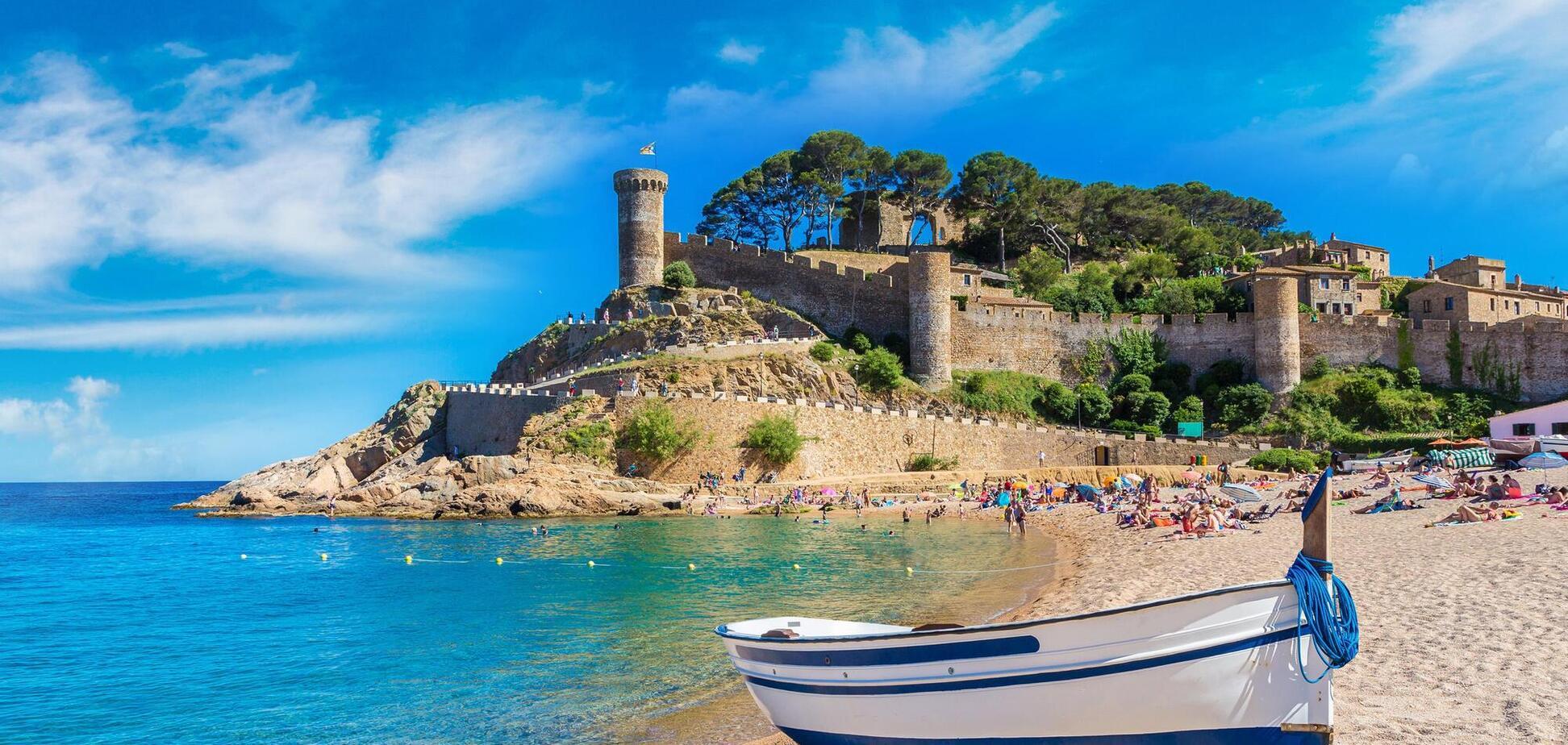 Испания намерена открыть границы для туристов