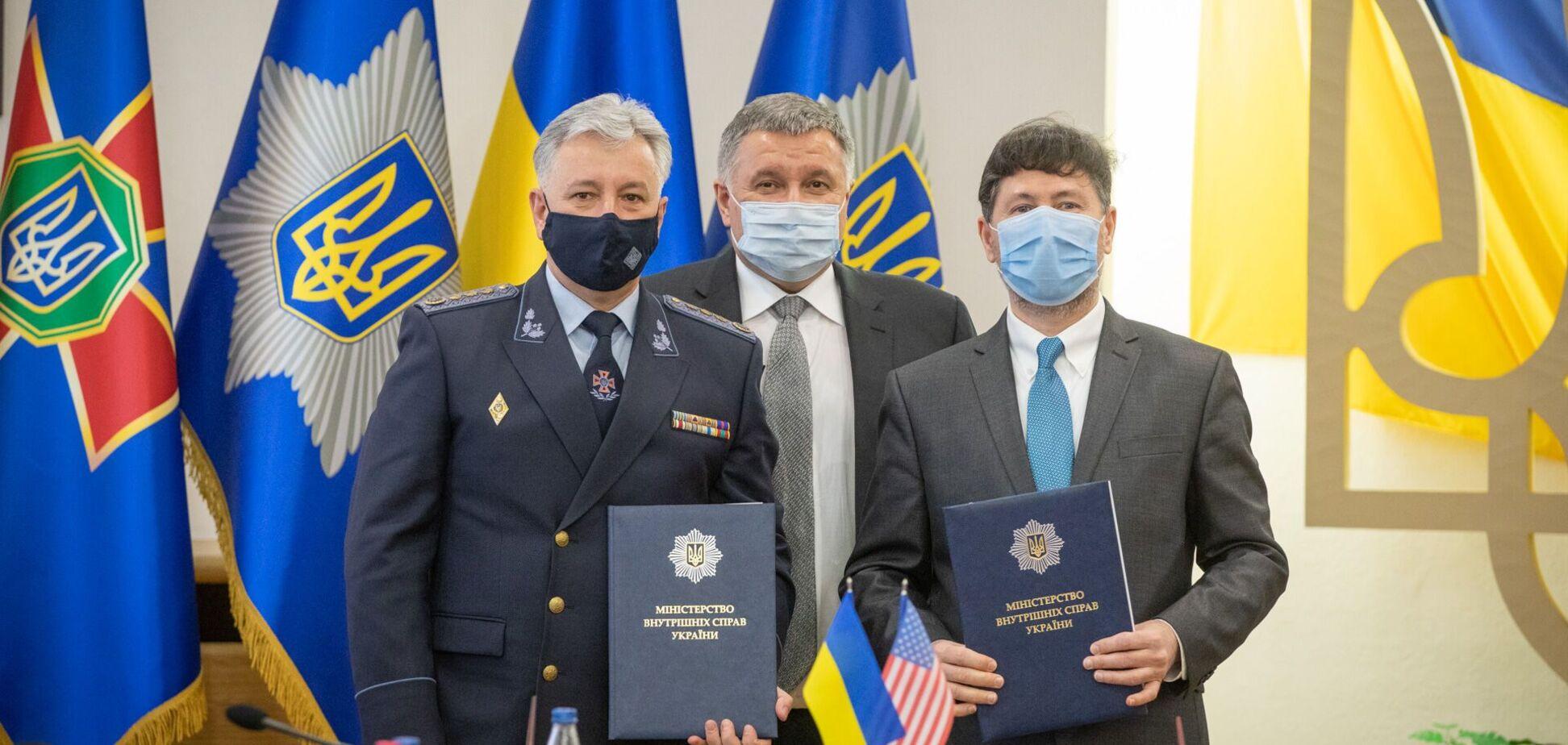 В МВС підписано Протокол про наміри між ДСНС та американською компанією BARON