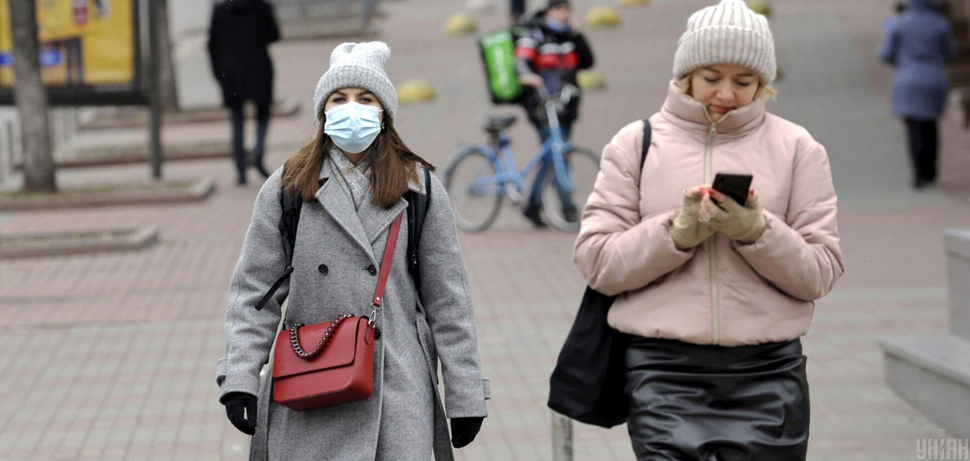 Чи потрібні маски вакцинованим проти COVID-19: у МОЗ дали відповідь