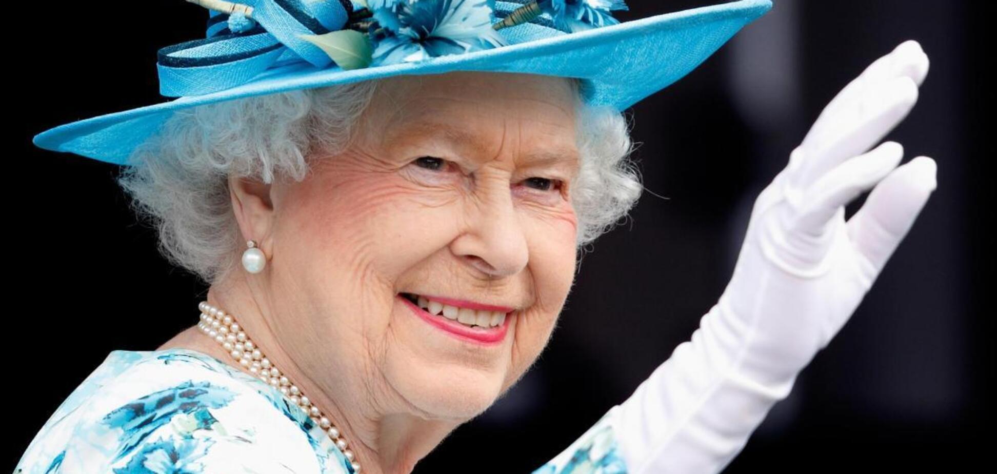 Єлизавета II проігнорувала скандал з Гаррі і Меган під час виходу на публіку