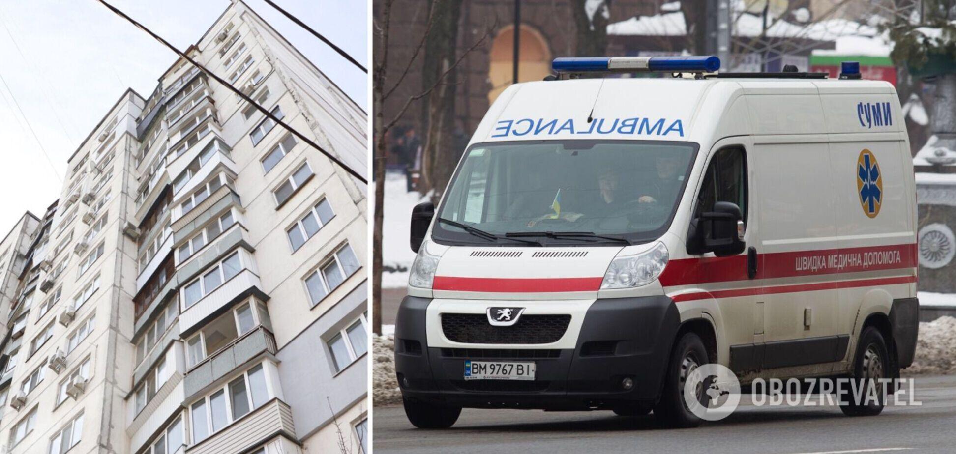 У Києві хлопець випав із вікна багатоповерхівки. Відео 18+