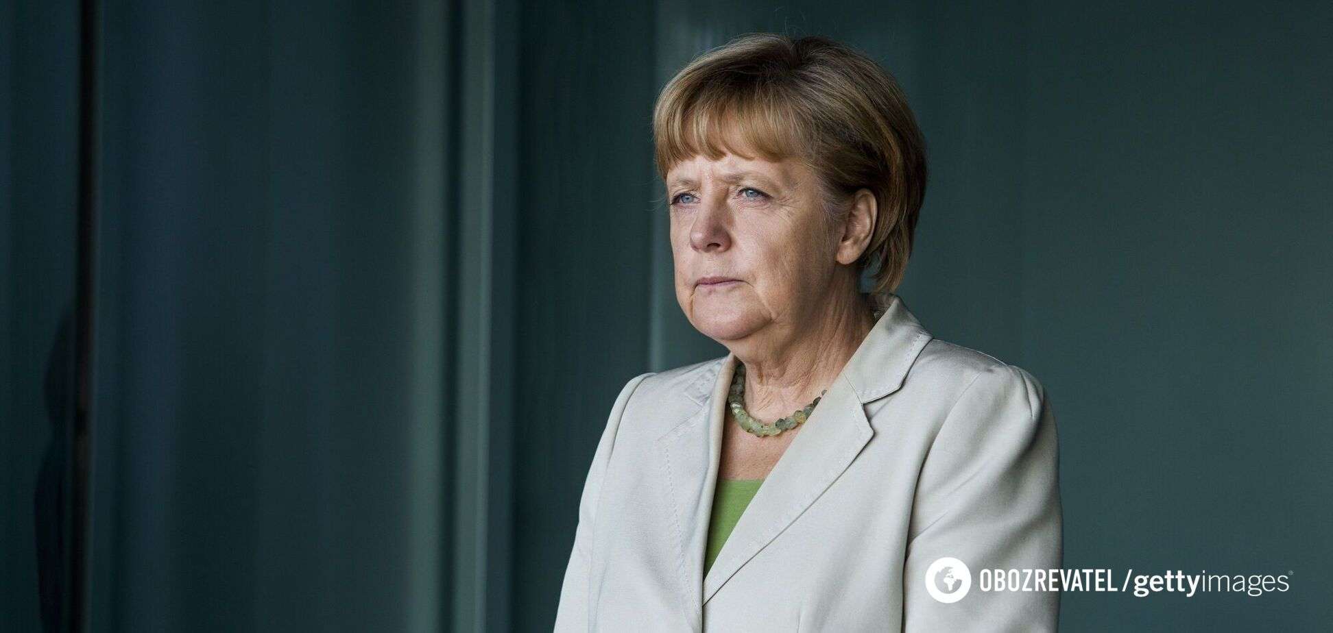 Ангела Меркель продемонстрировала деловой образ в любимом горчичном жакете