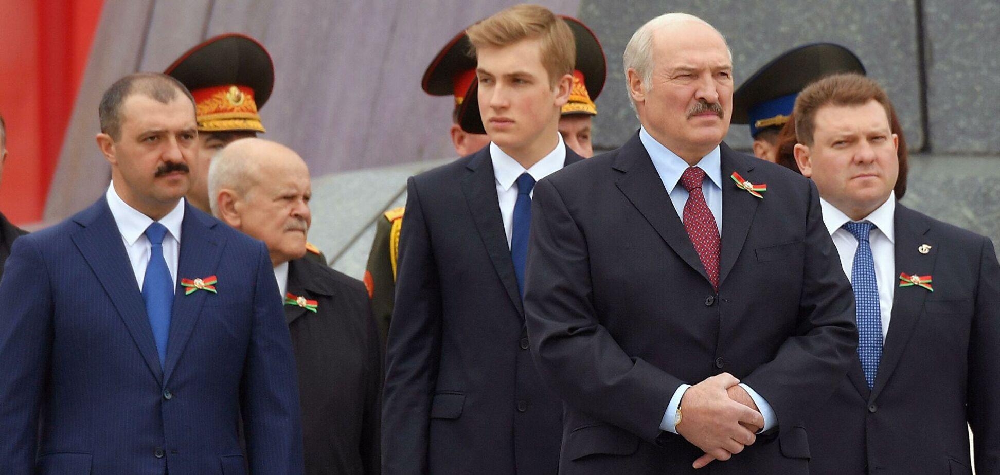 Олександр Лукашенко з синами
