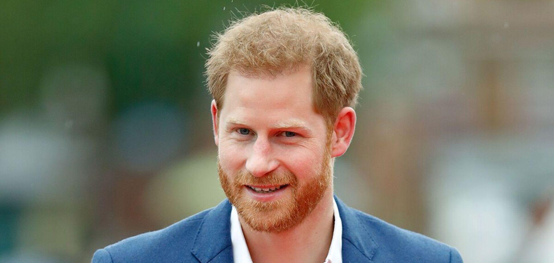 Принца Гаррі розкритикували через фірмовий сірий костюм