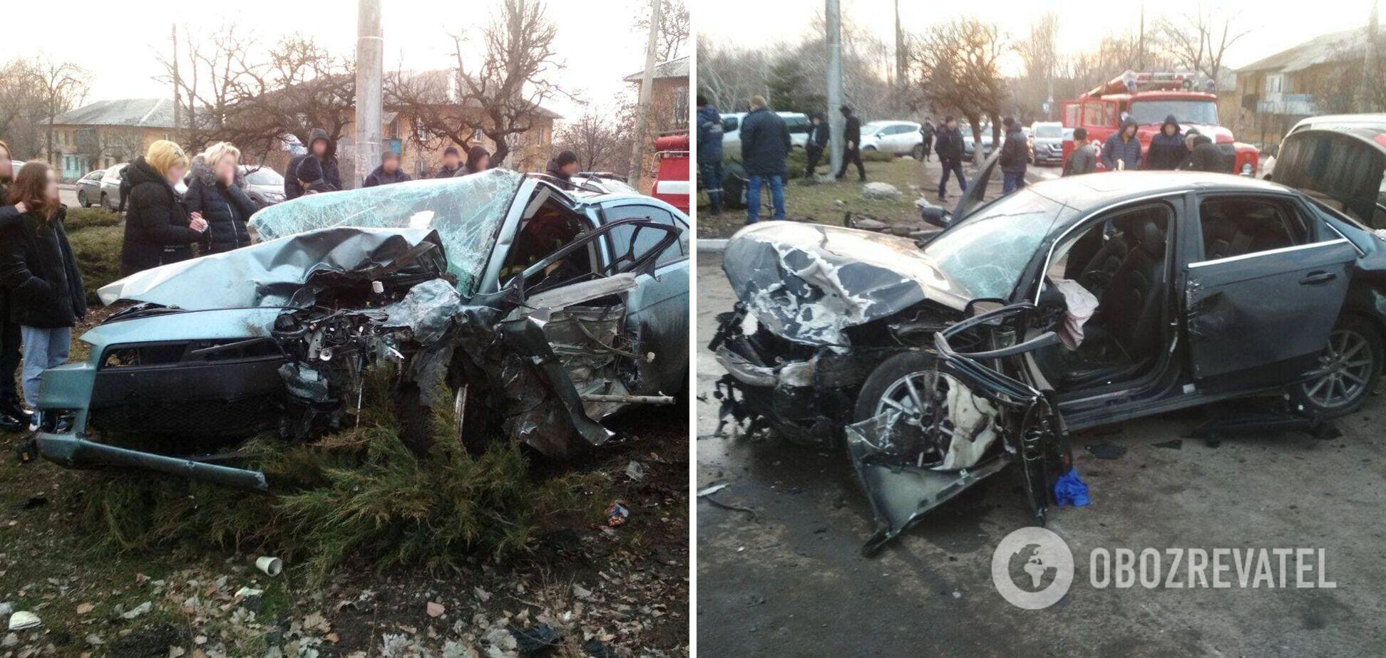 На Донеччині в серйозній ДТП загинули двоє осіб, ще троє постраждали. Фото