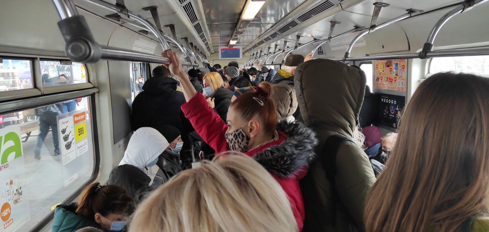 В Киеве общественный транспорт будет работать с ограничениями – КГГА