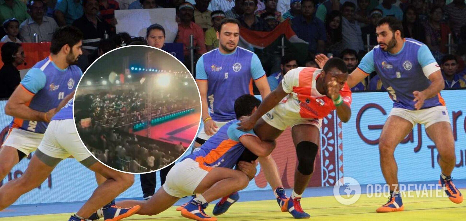 В Индии на спортивном турнире рухнула трибуна со зрителями: сто человек пострадали. Видео