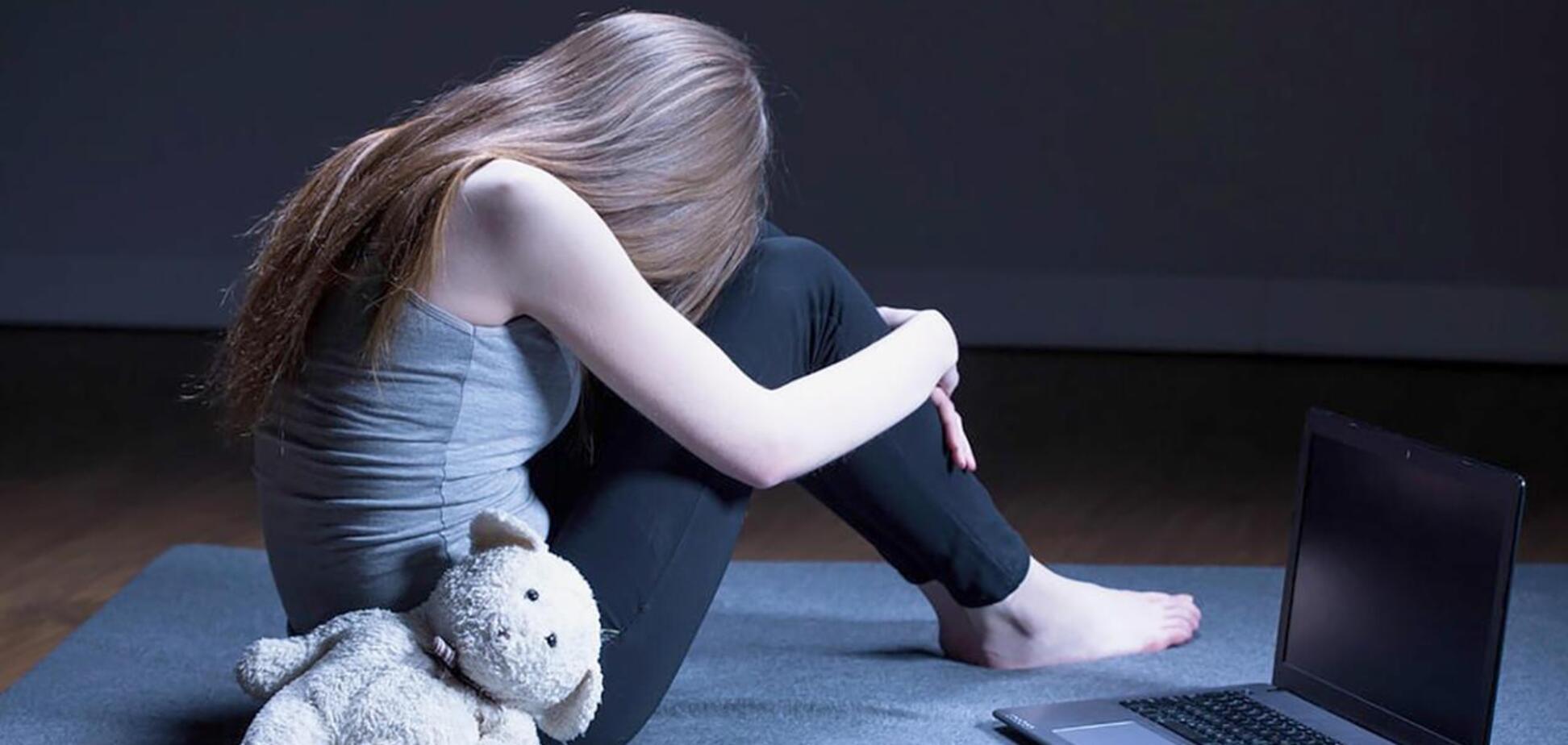 Родителям подростков рассказали о признаках склонности к суициду