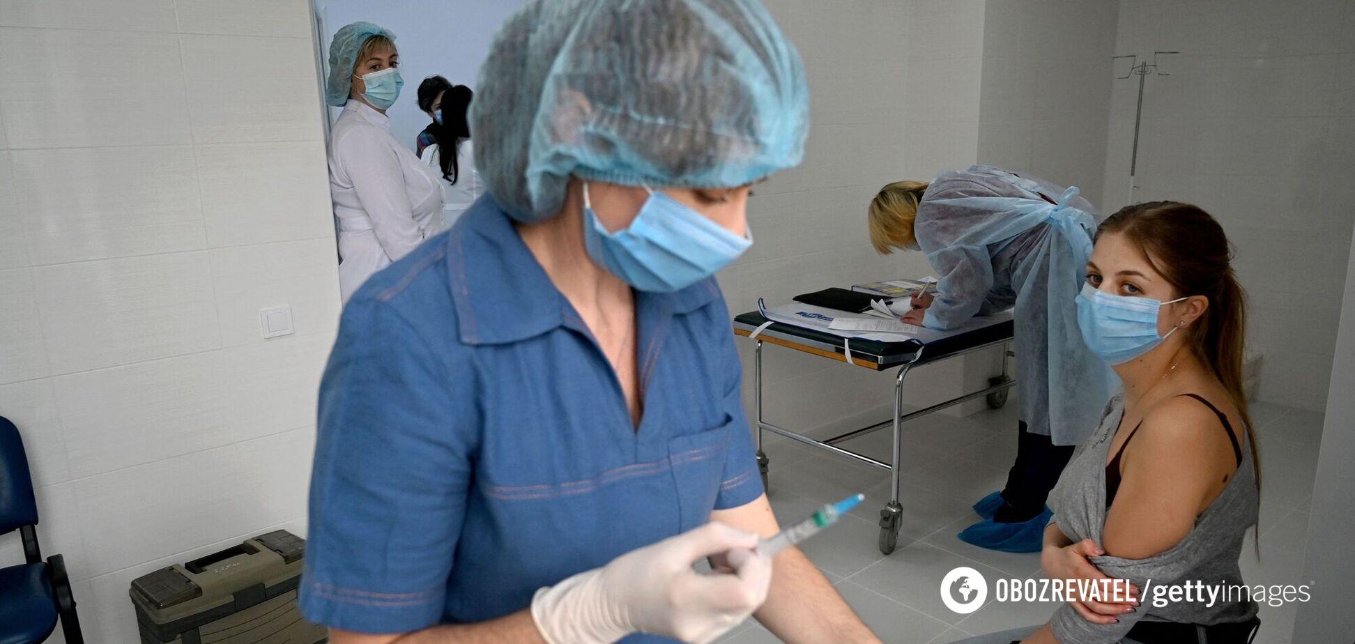 В Украине за сутки вакцинировали более 10 тысяч человек: где больше всего