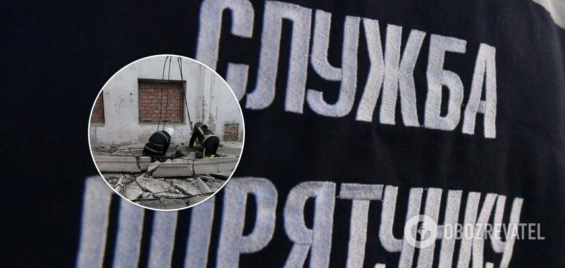 На Миколаївщині 19-річного хлопця вбило бетонною плитою. Фото