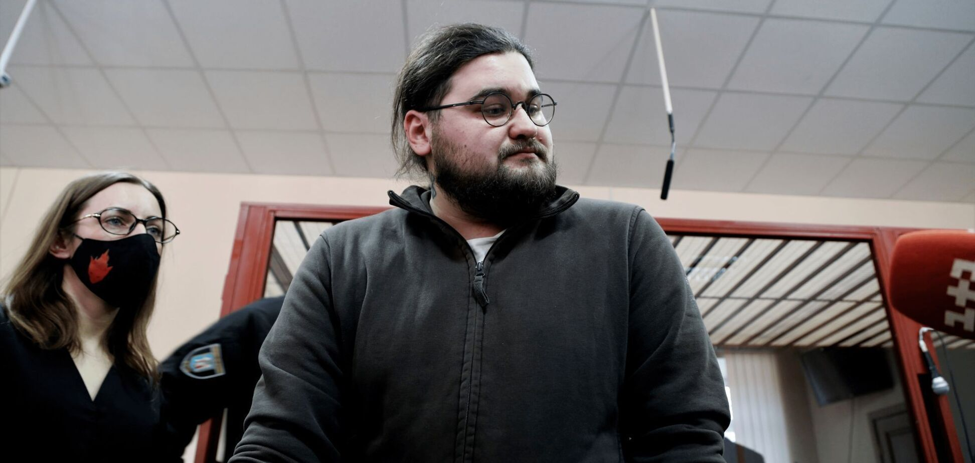 Подозреваемый в погромах на Банковой ветеран АТО признал, что его осудили за дезертирство