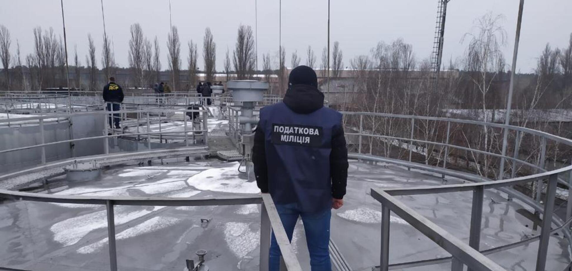 ДФС в Кировоградской области провели обыски на территории одной из нефтебаз